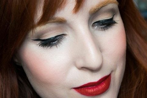 Pin-up look .  Free tutorial with pictures on how to create a pin-up makeup look in under 15 minutes by applying makeup with eyeshadow primer, eye shadow palette, and eyeliner. Inspired by burlesque & pinup and kat von d. How To posted by Patricia V.  in the Beauty section Difficulty: Simple. Cost: 3/5. Steps: 11