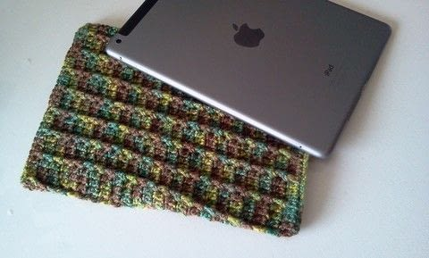 .  Free tutorial with pictures on how to make a tablet sleeve in under 120 minutes by crocheting with crochet yarn and crochet hook. How To posted by Joey B.  in the Yarncraft section Difficulty: Easy. Cost: No cost. Steps: 1