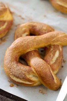 Homemade soft pretzels .  Free tutorial with pictures on how to bake a pretzel in under 105 minutes by baking with water, sugar, and kosher salt. Recipe posted by Golden Brown and Delicious | Jessica D.  in the Recipes section Difficulty: 3/5. Cost: Cheap. Steps: 4