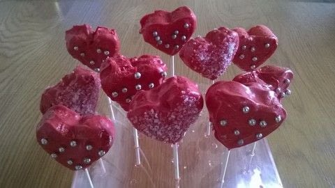 .  Free tutorial with pictures on how to bake cake pops in under 30 minutes by cooking, baking, decorating food, and cake decorating with cake, icing, and chocolate. Recipe posted by Super Madcow.  in the Recipes section Difficulty: Easy. Cost: Cheap. Steps: 7
