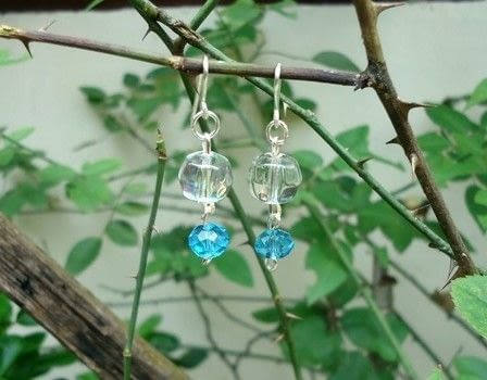 Make a Crystal Dangle Ear Hooks .  Free tutorial with pictures on how to bead a set of beaded tassel earrings in under 30 minutes using jewlery pliers, crystal beads, and wires. Inspired by style. How To posted by Amy C.  in the Jewelry section Difficulty: Simple. Cost: Absolutley free. Steps: 5