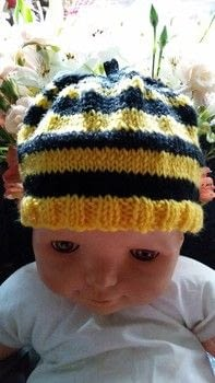 Buzz Bee .  Make a baby hat in under 120 minutes using dk wool and needles. Inspired by bees. Creation posted by jenny y.  in the Yarncraft section Difficulty: Easy. Cost: Cheap.