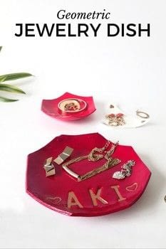 CUSTOM JEWELRY DISH (GEOMETRIC) .  Free tutorial with pictures on how to make a jewelry display in 3 steps by  with acrylic paint, plastic, and air dry clay. How To posted by AKI 1 a.m.  in the Other section Difficulty: Easy. Cost: Cheap.