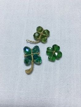 Wire Wrap Some Easy Free-form Lucky Charms .  Free tutorial with pictures on how to make a charms in under 10 minutes by jewelrymaking and wireworking with wire, beads, and nippers. Inspired by st patrick's day. How To posted by Princess Pam-attitude .  in the Jewelry section Difficulty: Easy. Cost: Absolutley free. Steps: 5