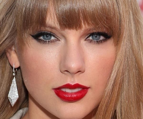 Classic Hollywood Glam Makeup Tutorial Taylor Swift Inspired How To Create A Pin Up Makeup Look Beauty On Cut Out Keep