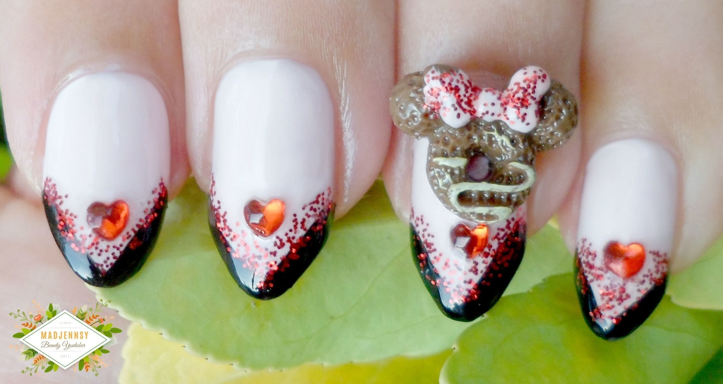Disney Minnie Mouse Nail Art 183 How To Paint A Glitter Nail 183 Beauty On Cut Out Keep