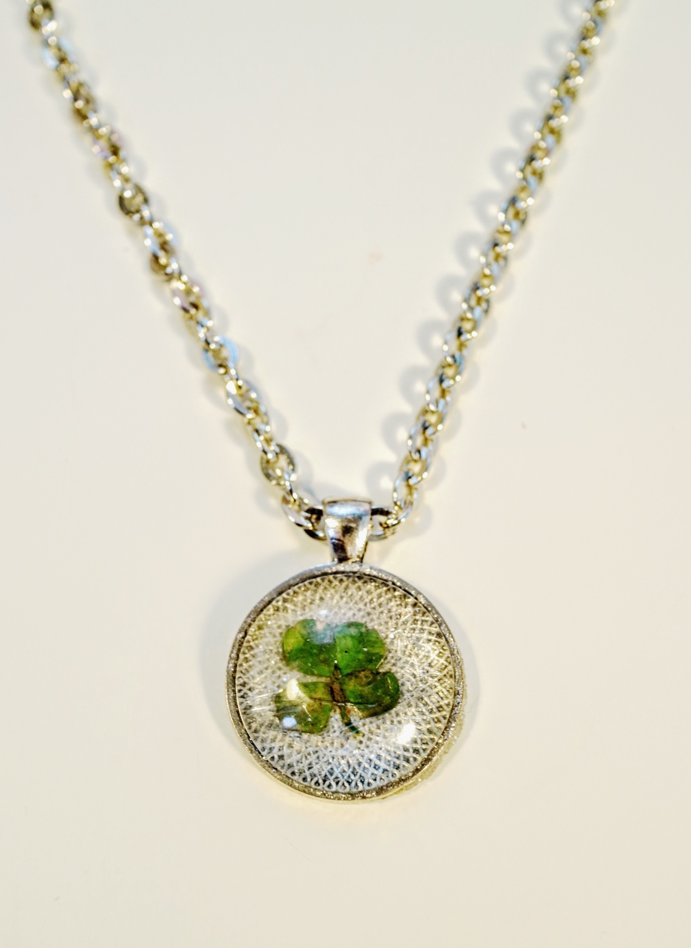 four leaf clover necklace 183 how to make a resin pendant
