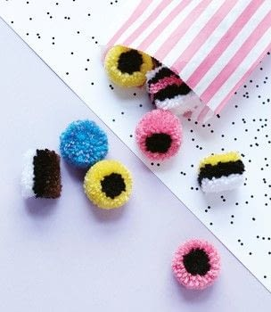 Pompomania .  Free tutorial with pictures on how to make a pom poms in under 35 minutes by yarncrafting with acrylic yarn, pompom makers, and scissors. Inspired by liquorice allsorts. How To posted by Quadrille.  in the Yarncraft section Difficulty: Simple. Cost: Cheap. Steps: 10