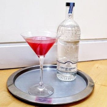 A gin, tea and raspberry breakfast martini  .  Free tutorial with pictures on how to mix a martini in under 5 minutes by mixing drinks with gin, tea, and raspberry jam. Recipe posted by Cat Morley.  in the Recipes section Difficulty: Simple. Cost: Cheap. Steps: 5
