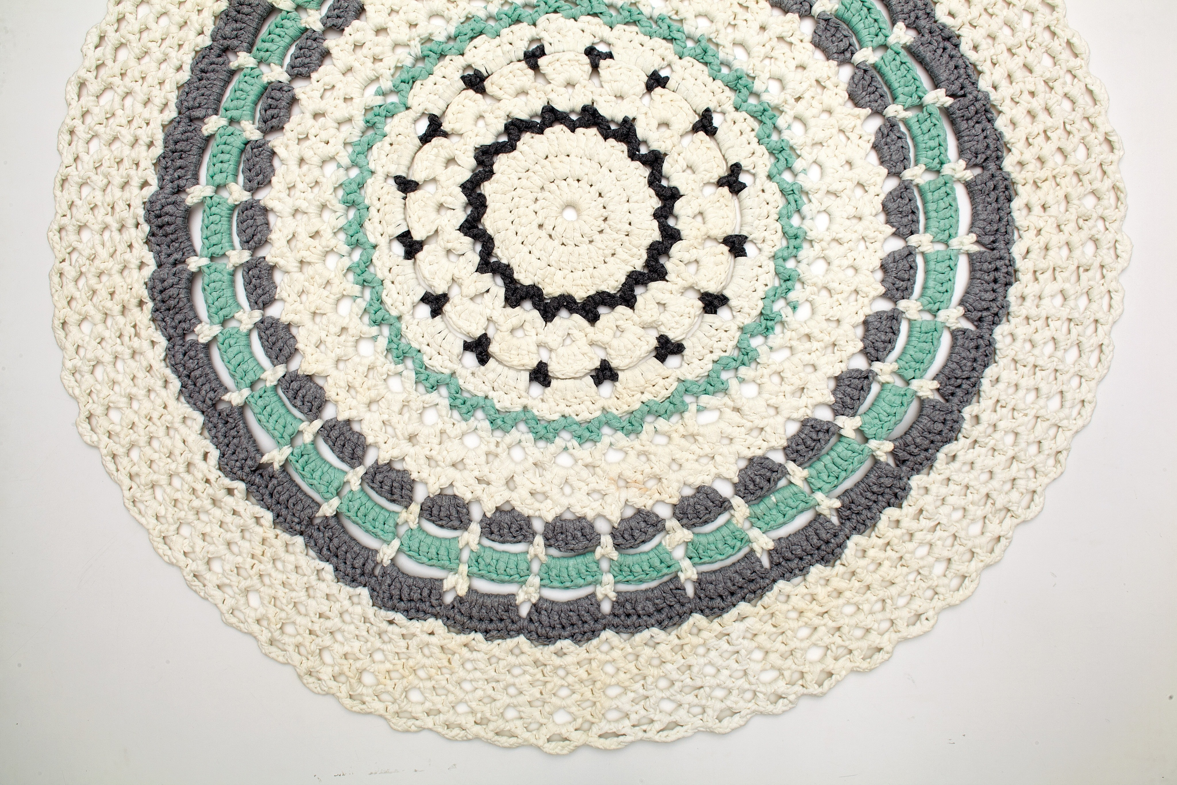 Marvellous Myriad Rug · Extract from Mandalas to Crochet by Haafner ...