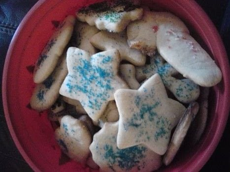 Yum! .  Bake a cookie in under 30 minutes using cookie cutters , butter, and sugar. Creation posted by Ashley P.  in the Recipes section Difficulty: Simple. Cost: Absolutley free.