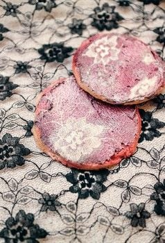 Lace stencilled sugar cookies .  Free tutorial with pictures on how to bake a sugar cookie in under 45 minutes by baking and decorating food with butter, sugar, and flour. Recipe posted by Cat Morley.  in the Recipes section Difficulty: Simple. Cost: Cheap. Steps: 11