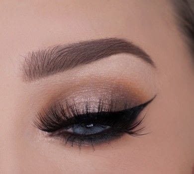 Really quick tutorial on this eye catching look .  Free tutorial with pictures on how to create an ombre eye makeover in under 25 minutes by applying makeup with eyeshadows, eye lashes, and eyeliner. How To posted by Champagne Whisper.  in the Beauty section Difficulty: 3/5. Cost: No cost. Steps: 1