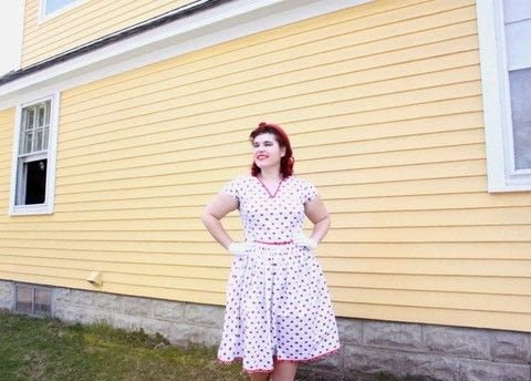 Housewife as all hell!  .  Free tutorial with pictures on how to sew a pleated dress in 8 steps using fabrics, rick rack, and needle and thread or sewing machine. Inspired by vintage & retro. How To posted by Skye M.  in the Sewing section Difficulty: Easy. Cost: 3/5.