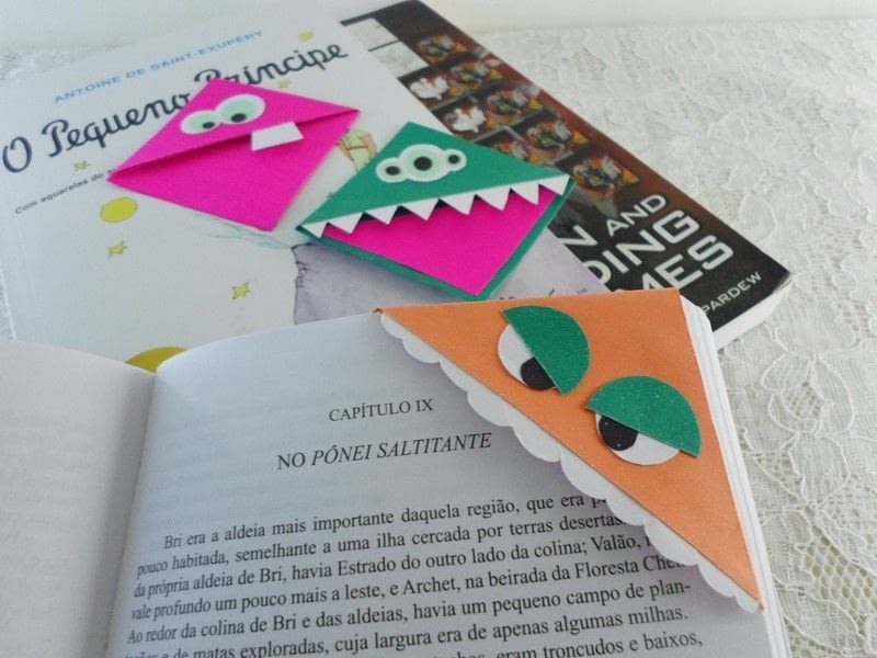 How To Make A Corner Bookmark : Monster corner bookmark · how to make a paper
