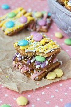 When Sweet meets Salty! .  Free tutorial with pictures on how to make a candy in under 30 minutes using crackers, sprinkles, and butter. Inspired by toffee. Recipe posted by Young At Heart Mommy.  in the Recipes section Difficulty: Easy. Cost: Cheap. Steps: 6