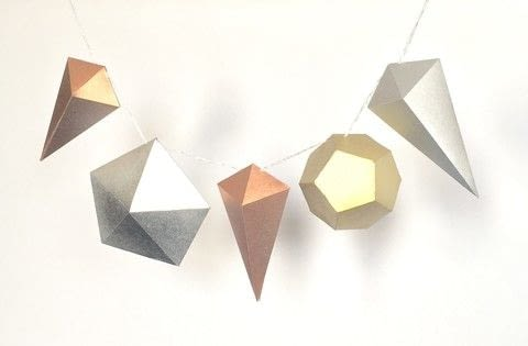 .  Free tutorial with pictures on how to make a garland in under 90 minutes by papercrafting and paper folding with craft knife, templates, and bonefolder. How To posted by John L.  in the Papercraft section Difficulty: 3/5. Cost: Cheap. Steps: 4