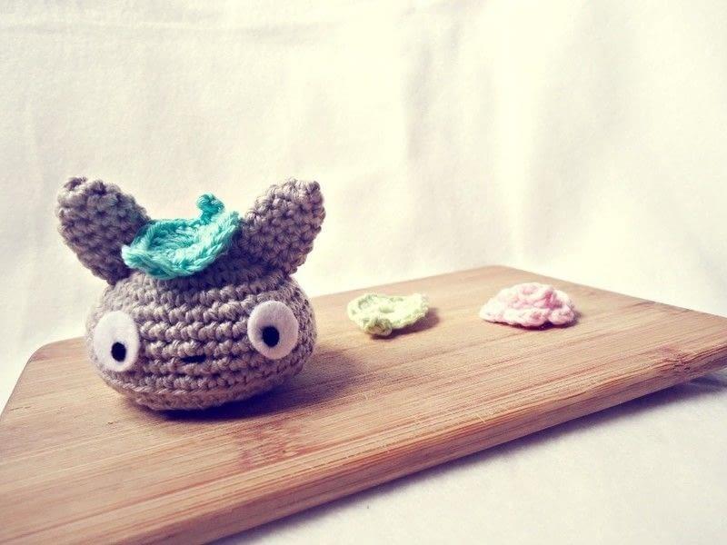 Amigurumi Totoro : Totoro squishy bun amigurumi · how to sew a cartoon plushie