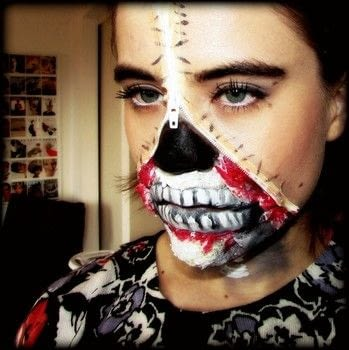When you don't feel 100% there.. .  Free tutorial with pictures on how to create special fx make up in under 30 minutes by applying makeup with zipper. Inspired by skulls & skeletons. How To posted by Leanashe23.  in the Beauty section Difficulty: Easy. Cost: 3/5. Steps: 20