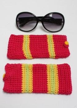 A apttern for sunglasses case .  Free tutorial with pictures on how to make a glasses case in under 120 minutes by crocheting and knitting with cotton yarn, hook, and needles. How To posted by Emma V.  in the Yarncraft section Difficulty: Easy. Cost: No cost. Steps: 1
