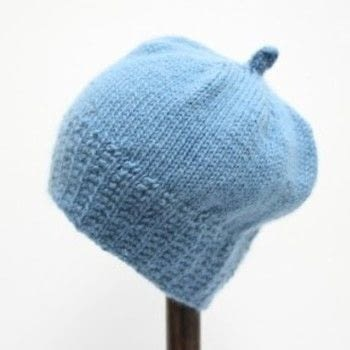 A super soft baby hat .  Free tutorial with pictures on how to make a baby hat in 1 step by knitting with yarn. How To posted by Emma V.  in the Yarncraft section Difficulty: Simple. Cost: Cheap.