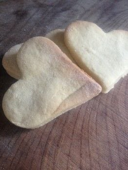 A simple recipe for shortbread .  Free tutorial with pictures on how to bake shortbread in under 30 minutes by baking with caster sugar, plain flour, and butter. Recipe posted by Hollie W.  in the Recipes section Difficulty: Easy. Cost: Absolutley free. Steps: 7