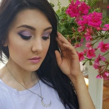 How to create a simple liliac eye makeup .  Free tutorial with pictures on how to create a purple eye makeup look in under 15 minutes by applying makeup with eyeshadow, mascara, and eyeshadow. How To posted by Jessica M.  in the Beauty section Difficulty: Simple. Cost: Cheap. Steps: 3