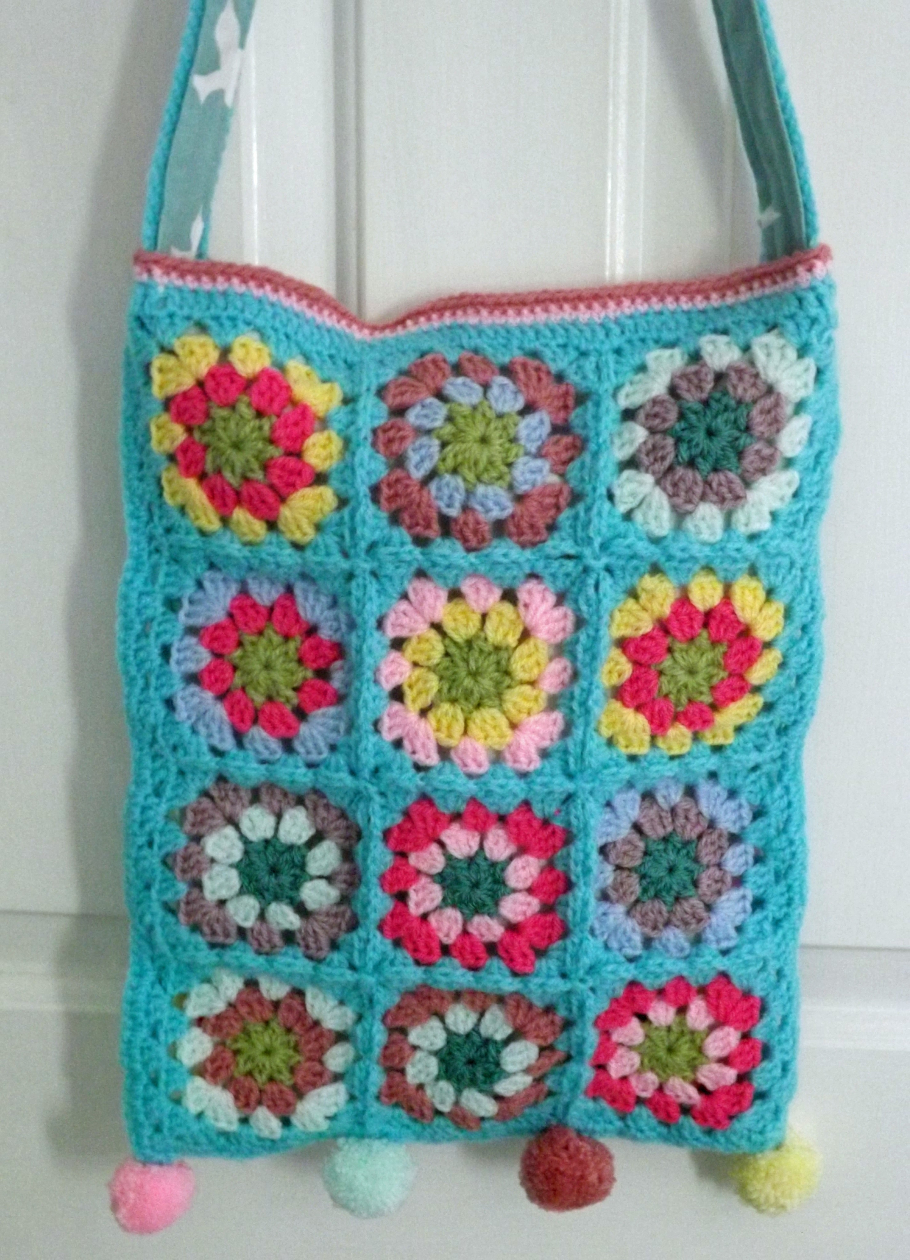 Granny Square Bag 183 A Knit Or Crochet Tote 183 Yarncraft