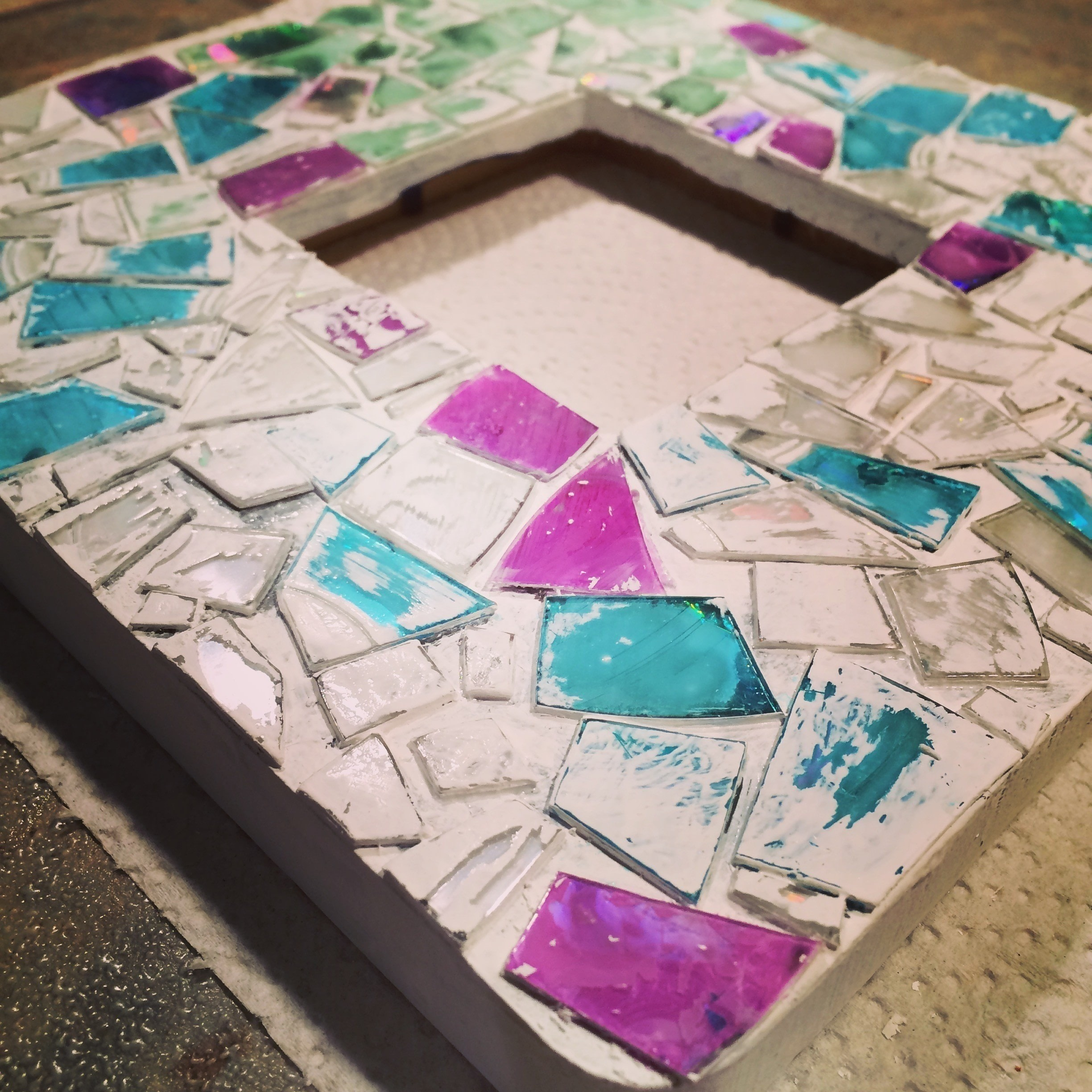 Repurposed Cd Mosaic Frame · How To Decorate An Embellished Photo ...