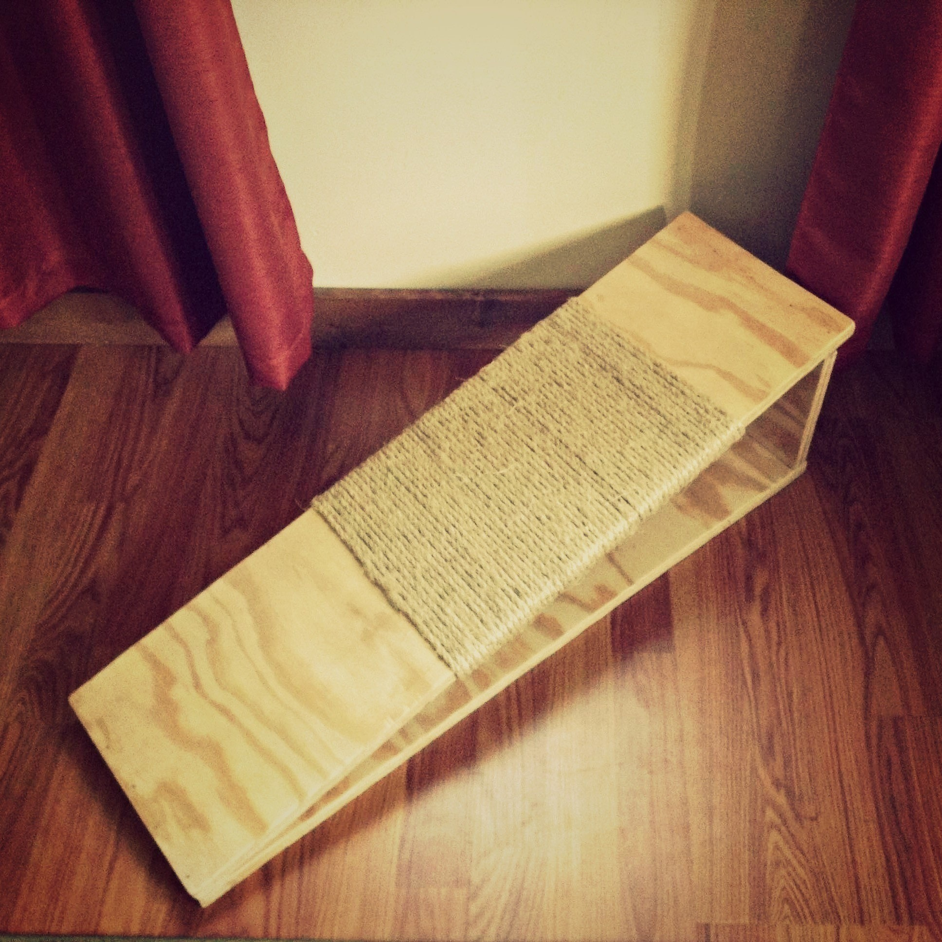 Diy Cat Scratching Board · How To Make A Scratching Post ...