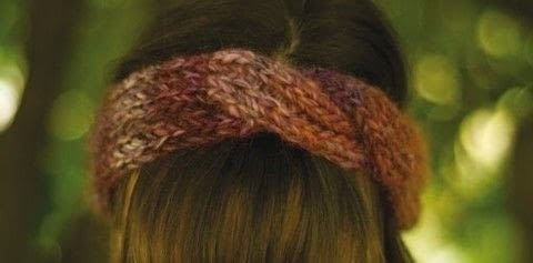 Stitch a Livlove Headband with Wet Coast Wools .  Free tutorial with pictures on how to stitch a knit or crochet headband in under 180 minutes by knitting with bulky yarn , knitting needles, and tapestry needle. How To posted by Shop Showcase.  in the Yarncraft section Difficulty: Simple. Cost: Cheap. Steps: 1
