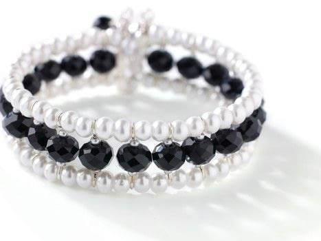 The Jewelry School .  Free tutorial with pictures on how to make a beaded cuff in under 60 minutes by beading and jewelrymaking with pearls, rondelles, and seed beads. How To posted by Search Press.  in the Jewelry section Difficulty: Simple. Cost: Cheap. Steps: 13