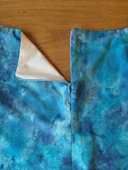 Create a perfect inside finish to your zip .  Free tutorial with pictures on how to sew a zipper in under 30 minutes using invisible zipper, thread, and zipper machine foot. How To posted by Claire E.  in the Sewing section Difficulty: 3/5. Cost: No cost. Steps: 7