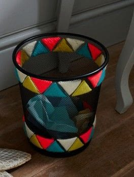 String Craft .  Free tutorial with pictures on how to make a waste bin in under 25 minutes by decorating and yarncrafting with bin, yarn, and yarn needle. How To posted by Ryland Peters & Small.  in the Decorating section Difficulty: Simple. Cost: Cheap. Steps: 6