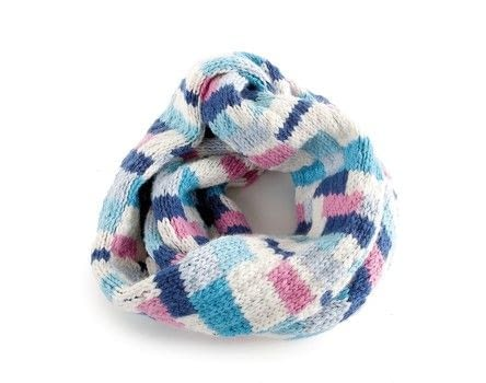 Knitted Snoods .  Free tutorial with pictures on how to make a circle scarf in under 120 minutes by knitting with yarn and knitting needles. How To posted by Search Press.  in the Yarncraft section Difficulty: Simple. Cost: Cheap. Steps: 2