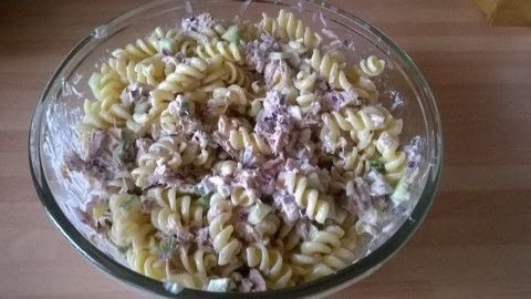 .  Free tutorial with pictures on how to cook pasta in under 30 minutes by cooking with pasta, tuna, and cucumber. Recipe posted by Super Madcow.  in the Recipes section Difficulty: Easy. Cost: Cheap. Steps: 6
