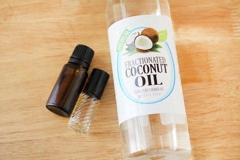 Make your own tingly moisturizing lip gloss! .  Free tutorial with pictures on how to make a lip gloss in under 5 minutes by making beauty products with coconut oil, peppermint essential oil, and vitamin e oil. How To posted by Southern Mom Loves.  in the Beauty section Difficulty: Easy. Cost: 3/5. Steps: 3
