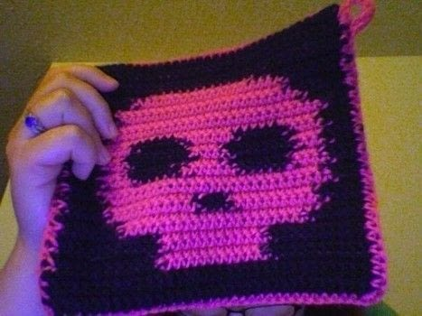 Look killer in the kitchen .  Make a dish cloth or scrubber in under 60 minutes by yarncrafting with worsted weight cotton yarn and crochet hook. Inspired by skulls & skeletons. Creation posted by Melissa Beth.  in the Yarncraft section Difficulty: Simple. Cost: Cheap.