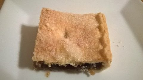 .  Free tutorial with pictures on how to bake a bar / slice in under 60 minutes by cooking and baking with short crust pastry, corn flour, and powder. Recipe posted by Super Madcow.  in the Recipes section Difficulty: Easy. Cost: Cheap. Steps: 9