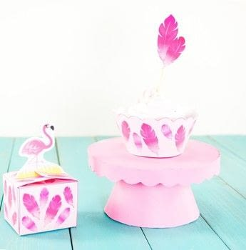 DIY Mini Cardboard Cupcake Stands .  Free tutorial with pictures on how to make a cake stand in under 40 minutes Inspired by birthdays, baby showers, and cupcakes. How To posted by Alle C.  in the Art section Difficulty: 3/5. Cost: Absolutley free. Steps: 12