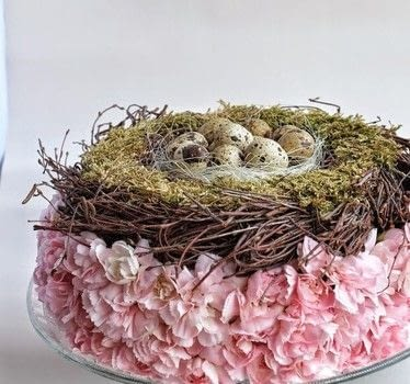 Easter Decoration .  Free tutorial with pictures on how to make a floral wreath in under 60 minutes by decorating with dry oasis, mini eggs, and straw. Inspired by easter . How To posted by ElsaR Blog.  in the Other section Difficulty: Easy. Cost: Cheap. Steps: 2