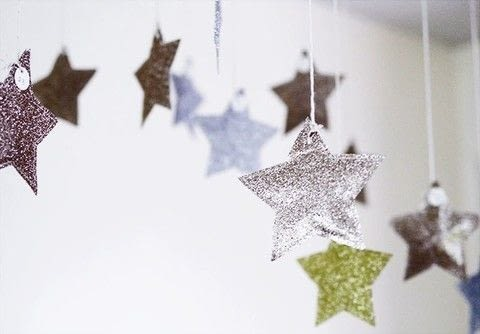 Add sparkle to the holiday (or any) season .  Free tutorial with pictures on how to make an advent calendar in under 60 minutes using wrapping paper, thread, and twine. How To posted by Sanae I.  in the Sewing section Difficulty: Simple. Cost: Cheap. Steps: 6