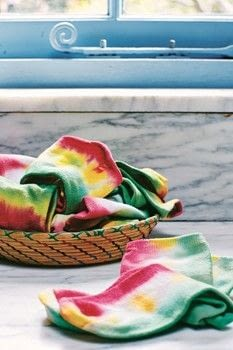 Tie and Dye .  Free tutorial with pictures on how to make a sock in under 45 minutes by dyeing with salt, socks, and elastic band. How To posted by Anova.  in the Decorating section Difficulty: Simple. Cost: Cheap. Steps: 10