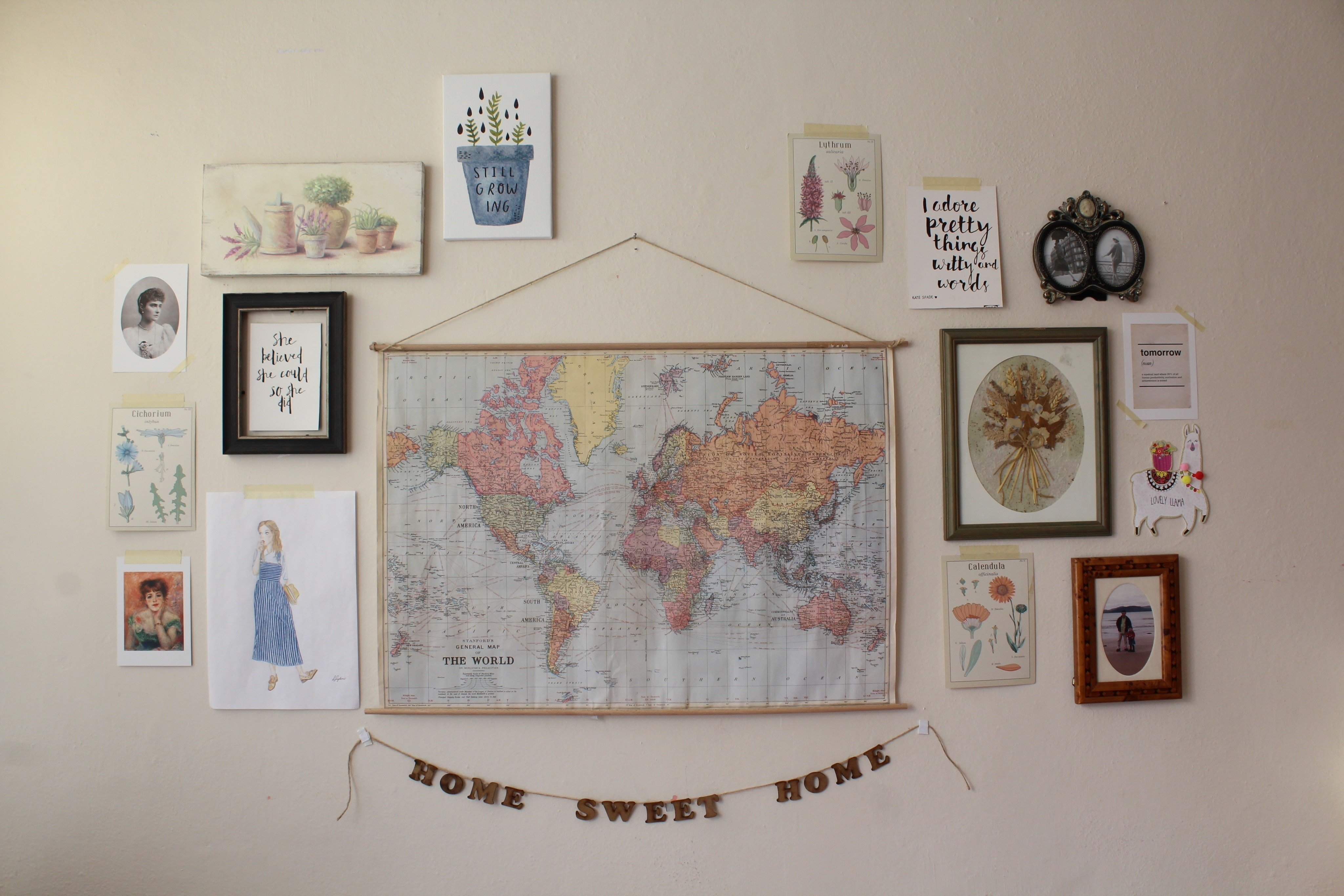 Diy hanging vintage school map how to make a hanging home diy add a vintage vibe to your space with this hanging map tutorial free tutorial gumiabroncs Images