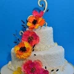 Swirl Border Wedding Cake