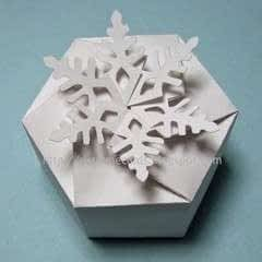 Twist Top Snowflake Box