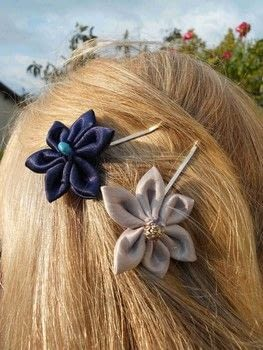 A Nice DIY hair clip .  Free tutorial with pictures on how to creatae a hair style in under 35 minutes by beading, hairstyling, and needleworking with needle & thread, hair clips, and pearls. How To posted by campaspe.  in the Jewelry section Difficulty: Simple. Cost: Absolutley free. Steps: 2