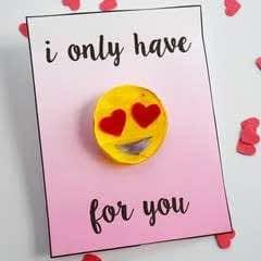 Diy Heart Eyes Emoji Pin