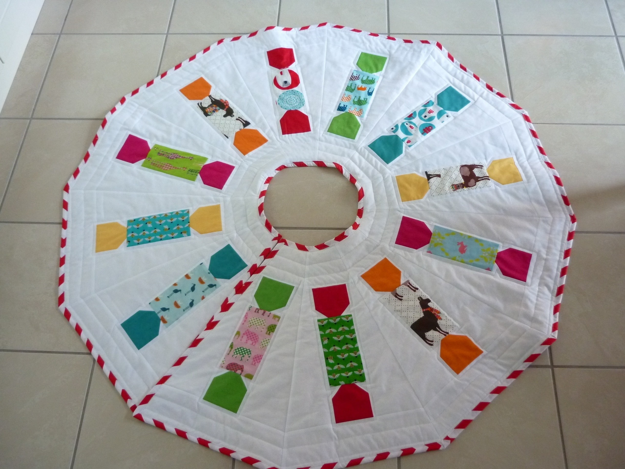 Animal Crackers Tree Skirt Pattern · How To Make A
