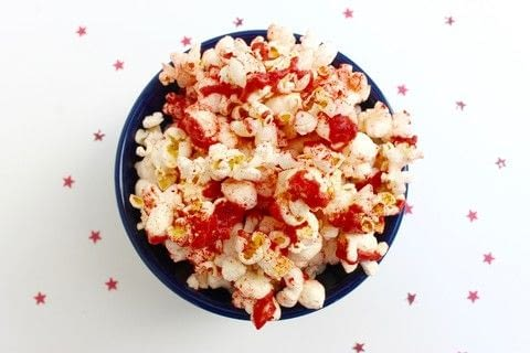 Snack on this delicious strawberry pie popcorn! .  Free tutorial with pictures on how to make popcorn in under 30 minutes by cooking with freeze-dried strawberries, coconut butter, and coconut oil. Inspired by summer holidays, 4th of july, and strawberries. Recipe posted by Haley  R.  in the Recipes section Difficulty: Simple. Cost: Absolutley free. Steps: 5